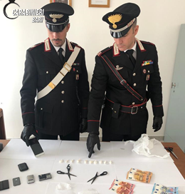 Castellana Grotte (BA). Arrestato dai Carabinieri un 43enne che spacciava a domicilio.